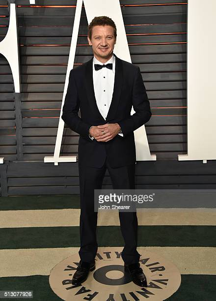 Actor Jeremy Renner arrives at the 2016 Vanity Fair Oscar Party Hosted By Graydon Carter at Wallis Annenberg Center for the Performing Arts on...