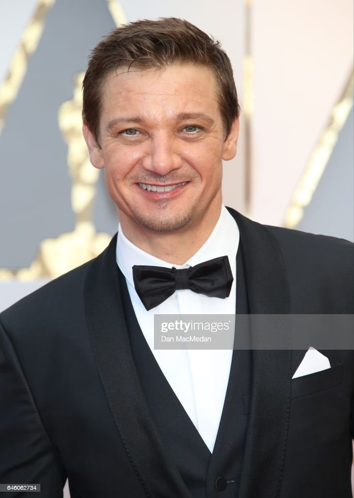 Actor Jeremy Renner arrives at the 89th Annual Academy Awards at Hollywood & Highland Center on February 26, 2017 in Hollywood, California.