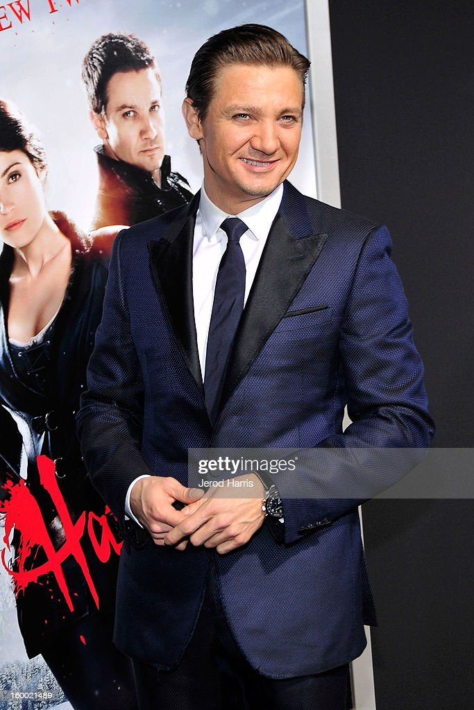 Actor <a gi-track='captionPersonalityLinkClicked' href=/galleries/search?phrase=Jeremy+Renner&family=editorial&specificpeople=708701 ng-click='$event.stopPropagation()'>Jeremy Renner</a> arrives at the Los Angeles Premiere of 'Hansel & Gretel: Witch Hunters' at TCL Chinese Theatre on January 24, 2013 in Hollywood, California.
