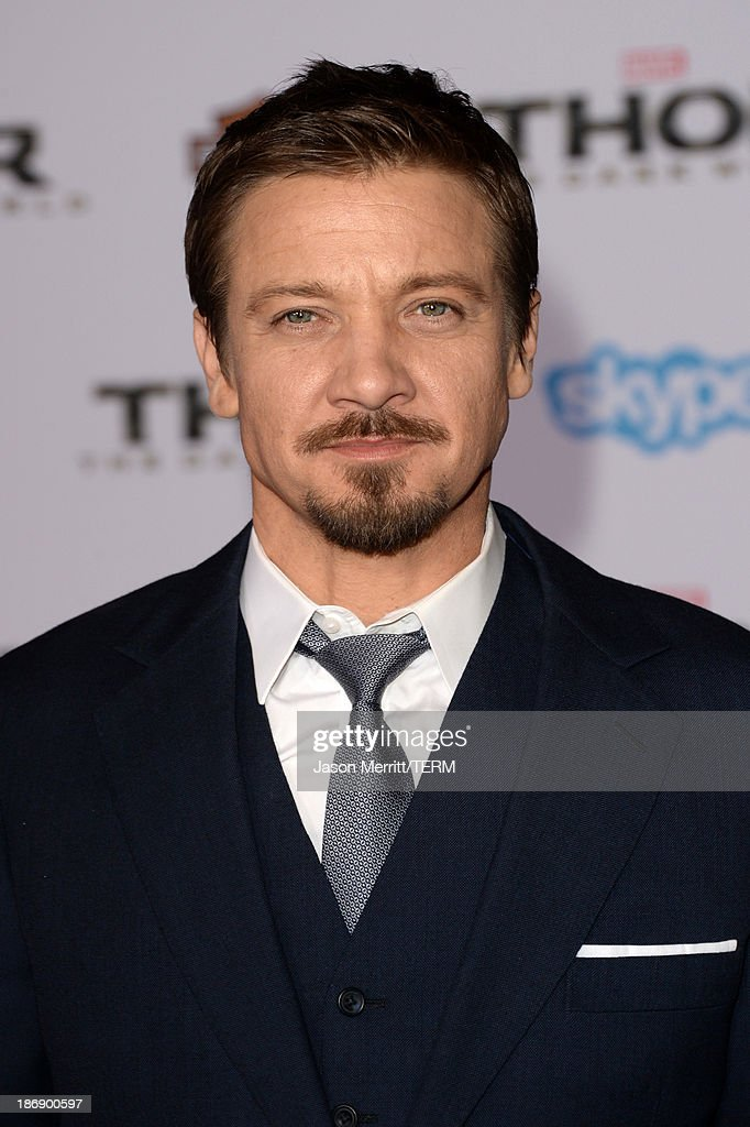 Actor <a gi-track='captionPersonalityLinkClicked' href=/galleries/search?phrase=Jeremy+Renner&family=editorial&specificpeople=708701 ng-click='$event.stopPropagation()'>Jeremy Renner</a> arrives at the premiere of Marvel's 'Thor: The Dark World' at the El Capitan Theatre on November 4, 2013 in Hollywood, California.