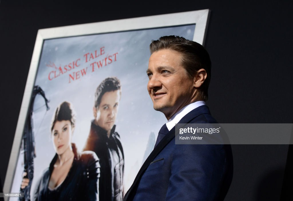 Actor <a gi-track='captionPersonalityLinkClicked' href=/galleries/search?phrase=Jeremy+Renner&family=editorial&specificpeople=708701 ng-click='$event.stopPropagation()'>Jeremy Renner</a> arrives for the Los Angeles premiere of Paramount Pictures' 'Hansel And Gretel Witch Hunters' at TCL Chinese Theatre on January 24, 2013 in Hollywood, California.