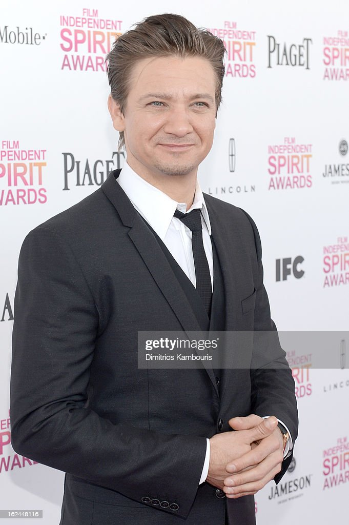 Actor <a gi-track='captionPersonalityLinkClicked' href=/galleries/search?phrase=Jeremy+Renner&family=editorial&specificpeople=708701 ng-click='$event.stopPropagation()'>Jeremy Renner</a> arrives with Jameson prior to the 2013 Film Independent Spirit Awards at Santa Monica Beach on February 23, 2013 in Santa Monica, California.