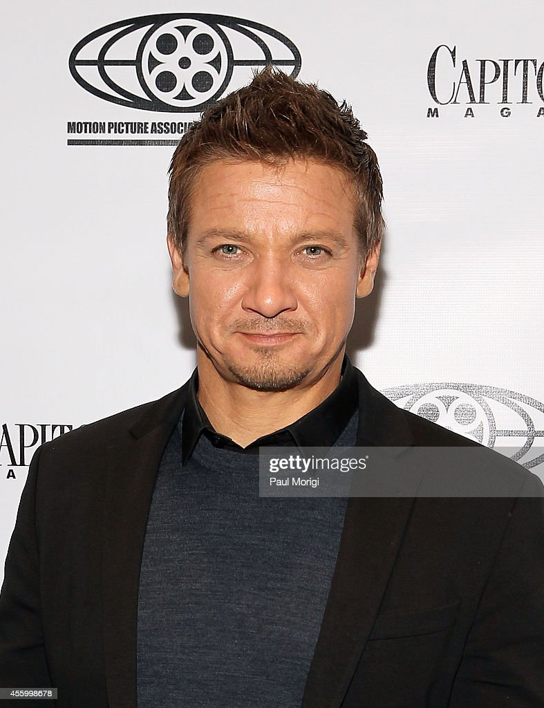 Actor <a gi-track='captionPersonalityLinkClicked' href=/galleries/search?phrase=Jeremy+Renner&family=editorial&specificpeople=708701 ng-click='$event.stopPropagation()'>Jeremy Renner</a> attends Capitol File's 'Kill the Messenger' Screening at MPAA on September 23, 2014 in Washington, DC.