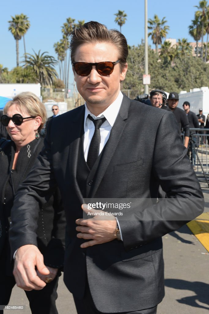 Actor <a gi-track='captionPersonalityLinkClicked' href=/galleries/search?phrase=Jeremy+Renner&family=editorial&specificpeople=708701 ng-click='$event.stopPropagation()'>Jeremy Renner</a> attends the 2013 Film Independent Spirit Awards at Santa Monica Beach on February 23, 2013 in Santa Monica, California.
