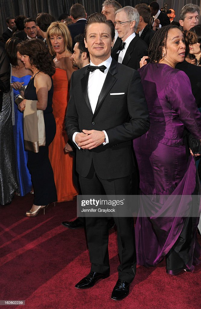 Actor Jeremy Renner attends the 85th Annual Academy Awards held at the Hollywood & Highland Center on February 24, 2013 in Hollywood, California.