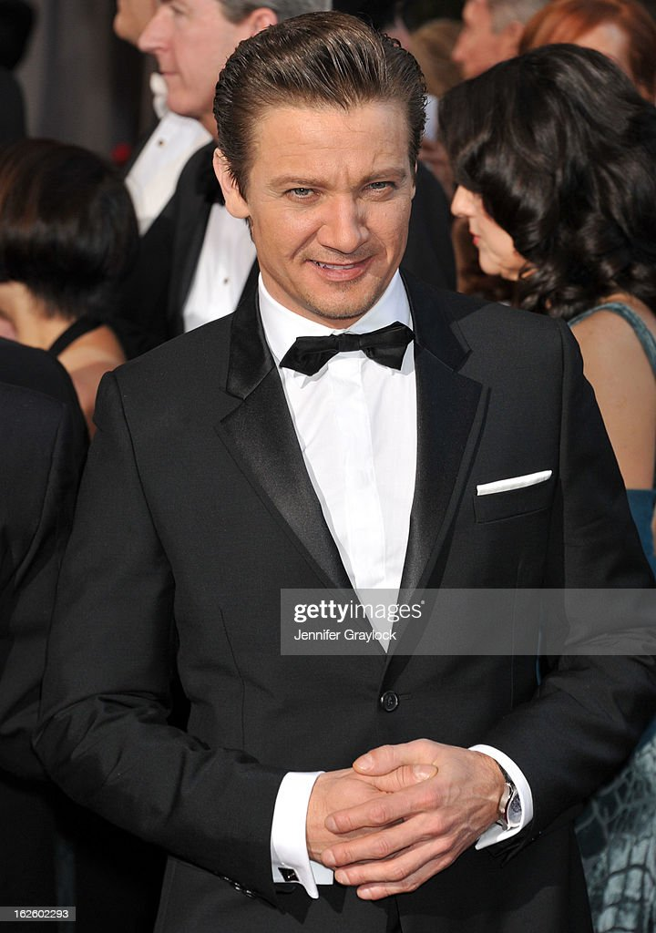 Actor <a gi-track='captionPersonalityLinkClicked' href=/galleries/search?phrase=Jeremy+Renner&family=editorial&specificpeople=708701 ng-click='$event.stopPropagation()'>Jeremy Renner</a> attends the 85th Annual Academy Awards held at the Hollywood & Highland Center on February 24, 2013 in Hollywood, California.