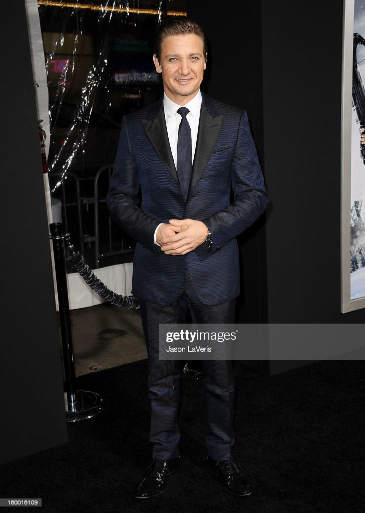 Actor <a gi-track='captionPersonalityLinkClicked' href=/galleries/search?phrase=Jeremy+Renner&family=editorial&specificpeople=708701 ng-click='$event.stopPropagation()'>Jeremy Renner</a> attends the premiere of 'Hansel & Gretel: Witch Hunters' at TCL Chinese Theatre on January 24, 2013 in Hollywood, California.