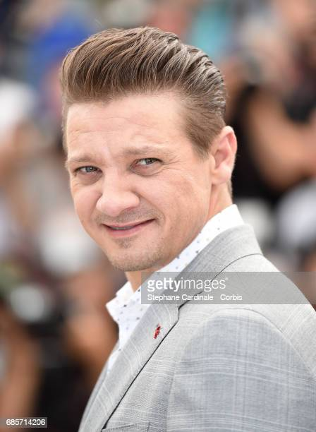 Actor Jeremy Renner attends the 'Wind River' photocall during the 70th annual Cannes Film Festival at Palais des Festivals on May 20 2017 in Cannes...