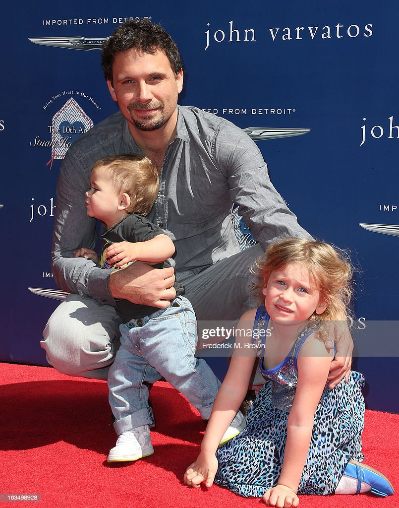 Actor <a gi-track='captionPersonalityLinkClicked' href=/galleries/search?phrase=Jeremy+Sisto&family=editorial&specificpeople=207064 ng-click='$event.stopPropagation()'>Jeremy Sisto</a> and his family attend John Varvatos 10th Annual Stuart House Benefit Presented by Chrysler, at John Varvatos Los Angeles on March 10, 2013 in Los Angeles, California.