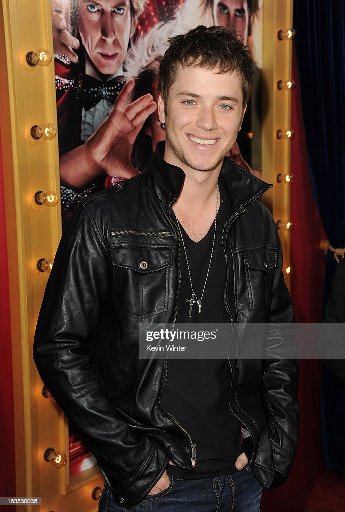Actor <a gi-track='captionPersonalityLinkClicked' href=/galleries/search?phrase=Jeremy+Sumpter&family=editorial&specificpeople=211524 ng-click='$event.stopPropagation()'>Jeremy Sumpter</a> attends the premiere of Warner Bros. Pictures' 'The Incredible Burt Wonderstone' at TCL Chinese Theatre on March 11, 2013 in Hollywood, California.