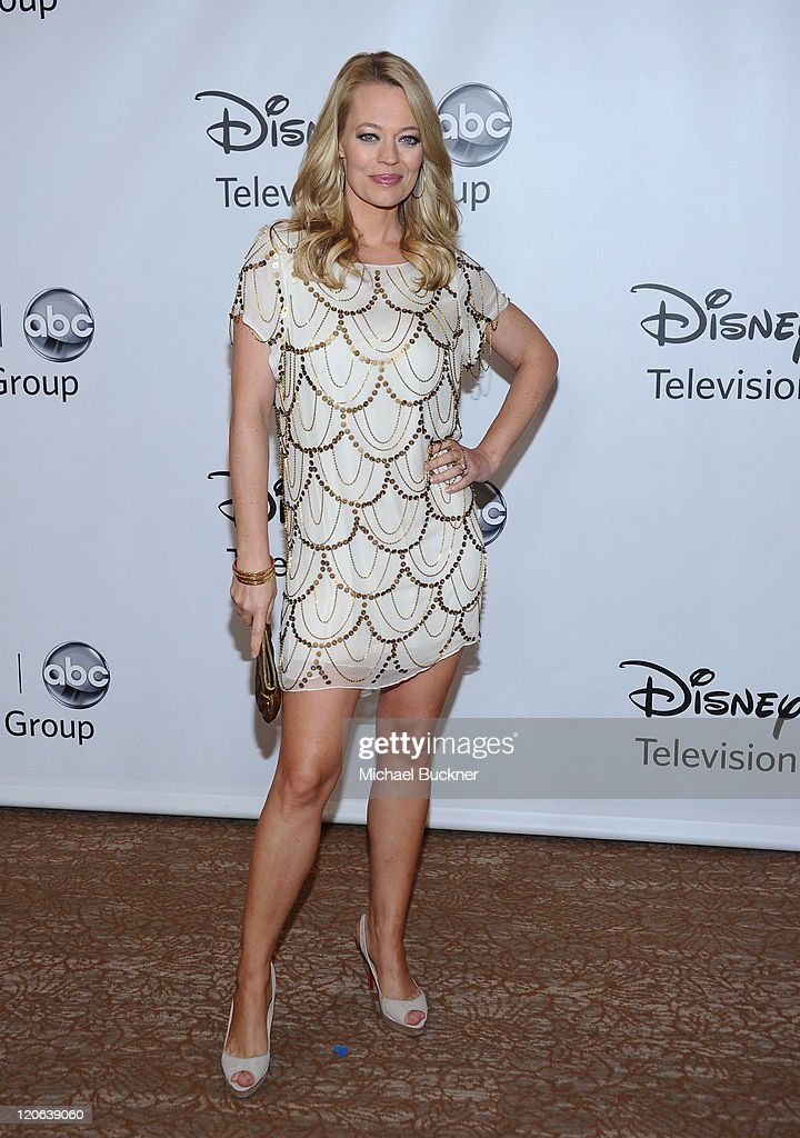 Actor <a gi-track='captionPersonalityLinkClicked' href=/galleries/search?phrase=Jeri+Ryan&family=editorial&specificpeople=239502 ng-click='$event.stopPropagation()'>Jeri Ryan</a> arrives at the Disney ABC Television Group's 'TCA 2001 Summer Press Tour' at the Beverly Hilton Hotel on August 7, 2011 in Beverly Hills, California.