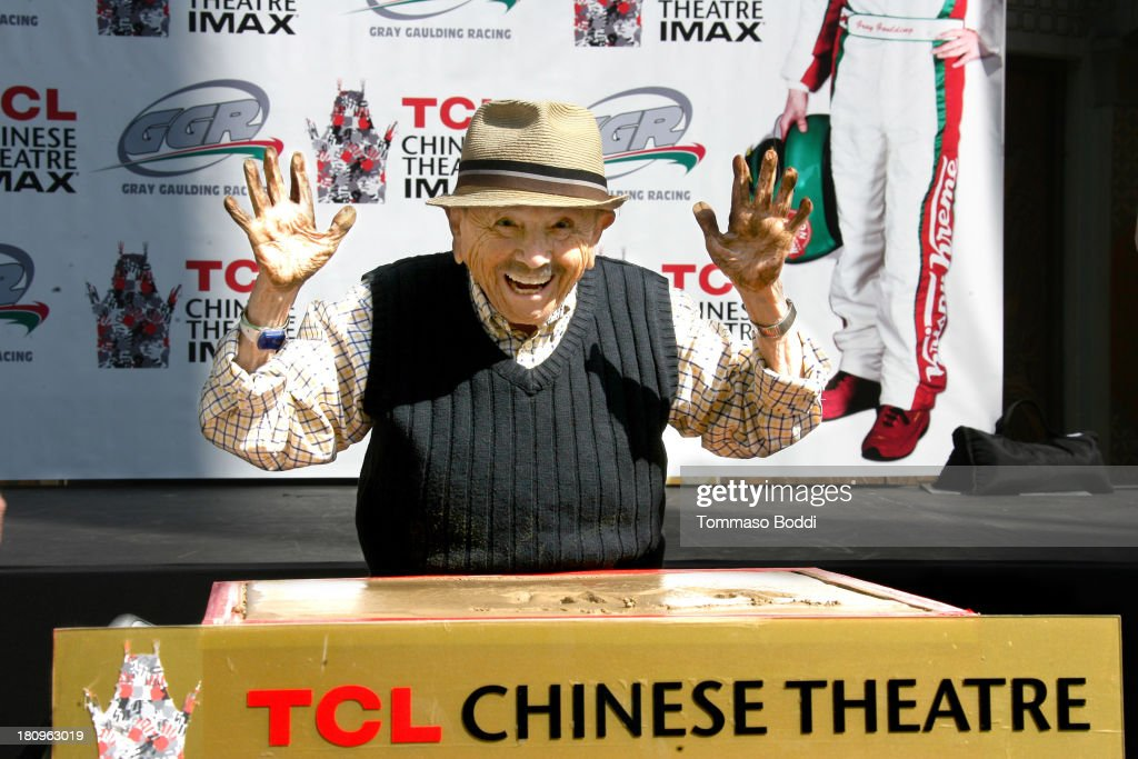 Actor <a gi-track='captionPersonalityLinkClicked' href=/galleries/search?phrase=Jerry+Maren&family=editorial&specificpeople=3637561 ng-click='$event.stopPropagation()'>Jerry Maren</a> attends the handprint-footprint ceremony for 'The Lollipop Kid' last of the Munchkins from 'The Wizard Of Oz' the at TCL Chinese Theatre Imax on September 18, 2013 in Hollywood, California.