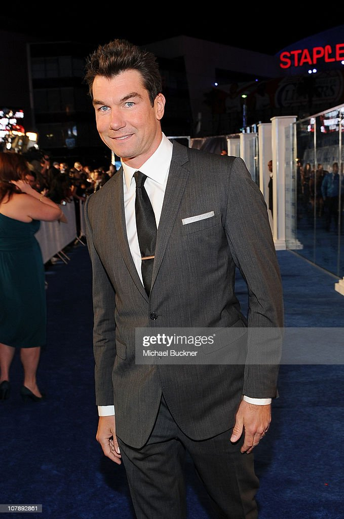 Actor Jerry O'Connell arrives at the 2011 People's Choice Awards at Nokia Theatre L.A. Live on January 5, 2011 in Los Angeles, California.