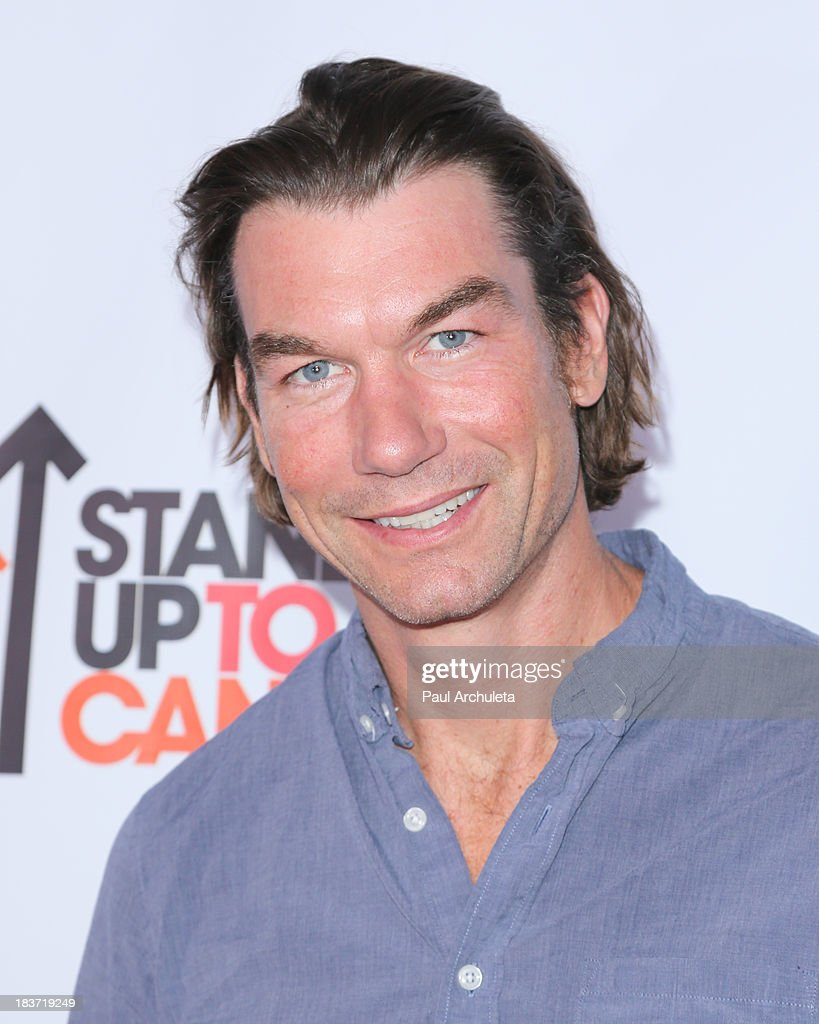 Actor <a gi-track='captionPersonalityLinkClicked' href=/galleries/search?phrase=Jerry+O%27Connell&family=editorial&specificpeople=208243 ng-click='$event.stopPropagation()'>Jerry O'Connell</a> attends the CBS After Dark with an evening of laughter benefiting Stand Up To Cancer at The Comedy Store on October 8, 2013 in West Hollywood, California.