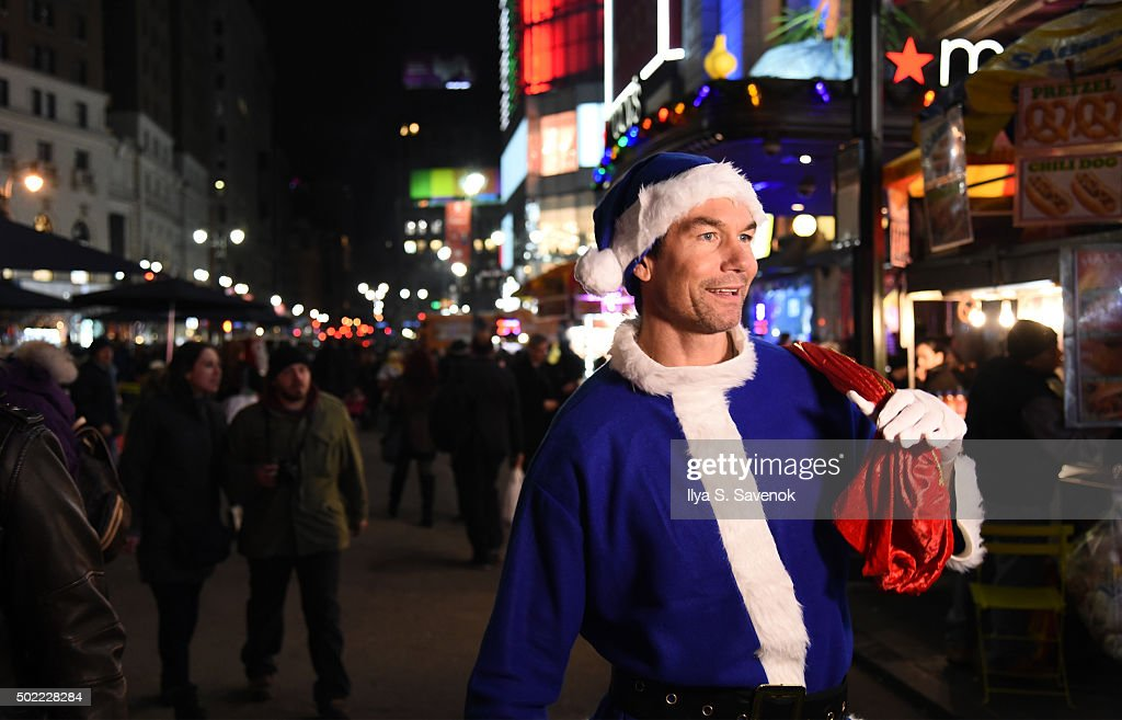 jerry o connell plays holiday movie trivia fans in new york actor jerry o connell plays holiday movie trivia fans in new york for imdb