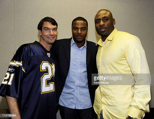 **EXCLUSIVE** Actor Jerry O'Connell with The New York Giants' Osi Umenyiora and Brandon Jacobs backstage at Pepsi Smash Super Bowl Bash presented by...
