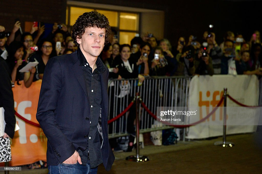 Actor <a gi-track='captionPersonalityLinkClicked' href=/galleries/search?phrase=Jesse+Eisenberg&family=editorial&specificpeople=625439 ng-click='$event.stopPropagation()'>Jesse Eisenberg</a> arrives at the 'Night Moves' Premiere during the 2013 Toronto International Film Festival at the Ryerson Theatre on September 8, 2013 in Toronto, Canada.