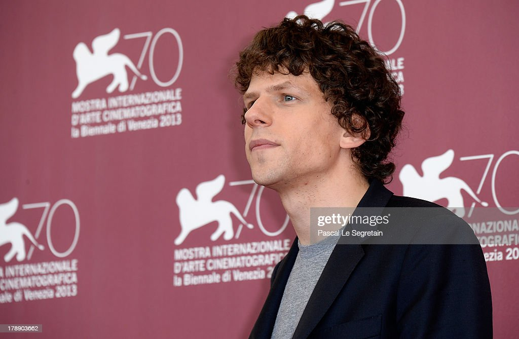 Actor <a gi-track='captionPersonalityLinkClicked' href=/galleries/search?phrase=Jesse+Eisenberg&family=editorial&specificpeople=625439 ng-click='$event.stopPropagation()'>Jesse Eisenberg</a> attends 'Night Moves' Photocall during the 70th Venice International Film Festival at the Palazzo del Casino on August 31, 2013 in Venice, Italy.