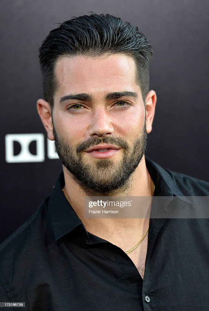 Actor <a gi-track='captionPersonalityLinkClicked' href=/galleries/search?phrase=Jesse+Metcalfe&family=editorial&specificpeople=208805 ng-click='$event.stopPropagation()'>Jesse Metcalfe</a> arrives at the premiere of Warner Bros. Pictures' and Legendary Pictures' 'Pacific Rim' at Dolby Theatre on July 9, 2013 in Hollywood, California.