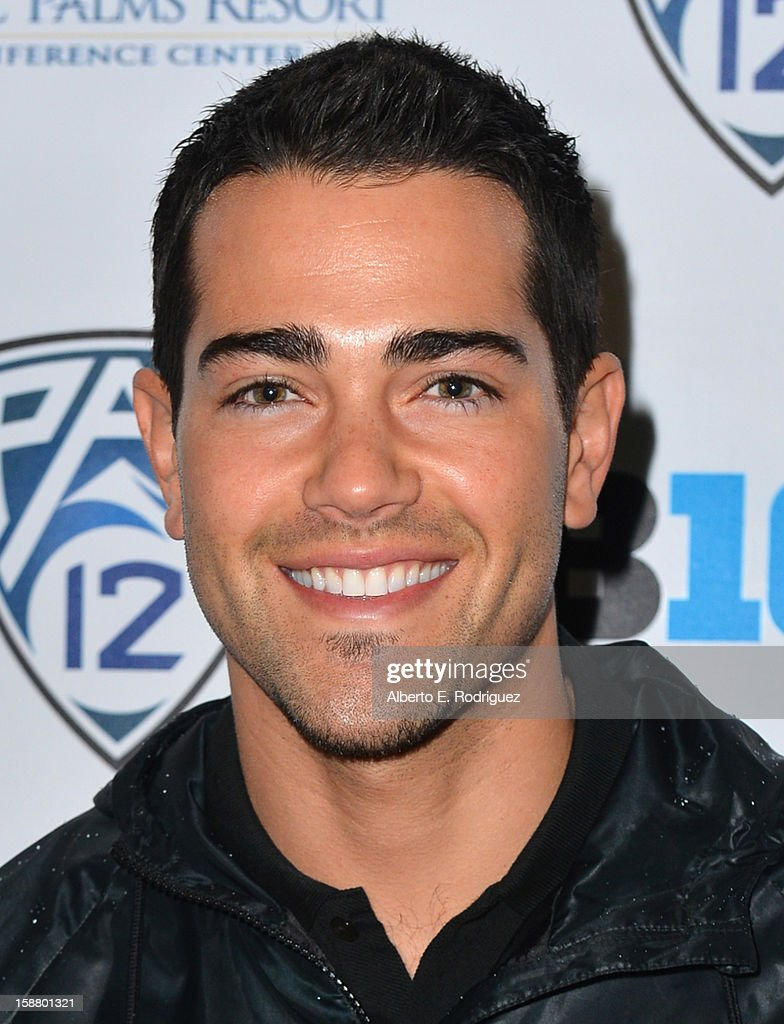 Actor Jesse Metcalfe arrives to the innaugural Rose Bowl Game Golf Classic at Industry Hills Golf Course on December 29, 2012 in City of Industry, California.