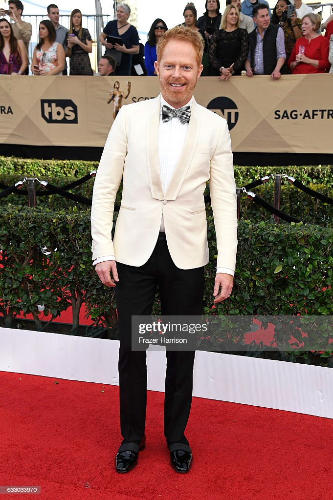 actor-jesse-tyler-ferguson-attends-the-23rd-annual-screen-actors-at-picture-id633033970