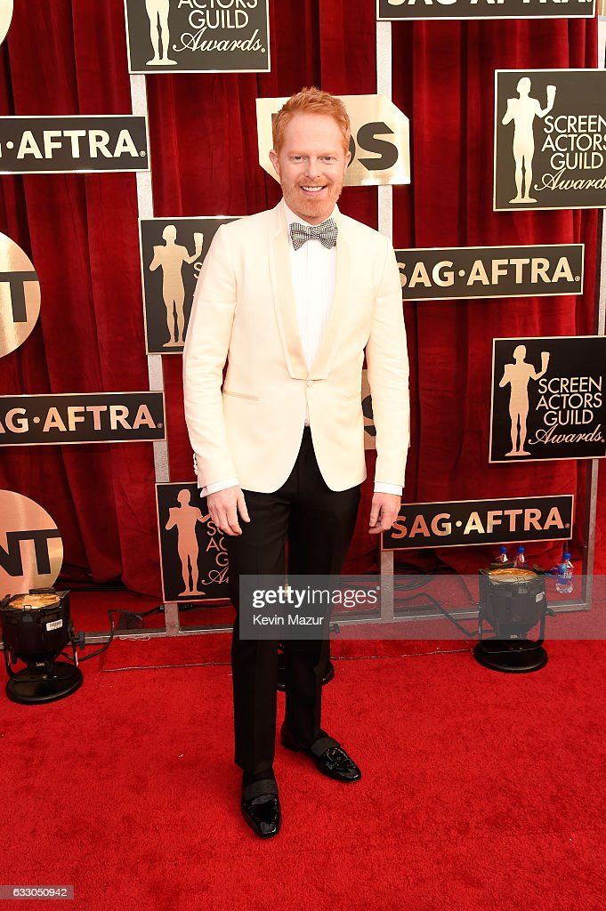 Actor Jesse Tyler Ferguson attends The 23rd Annual Screen Actors Guild Awards at The Shrine Auditorium on January 29, 2017 in Los Angeles, California. 26592_011