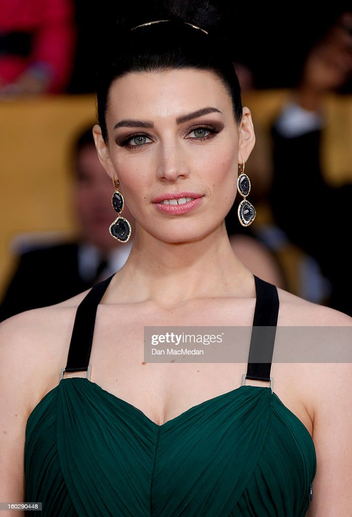Actor Jessica Pare arrives at the 19th Annual Screen Actors Guild Awards at the Shrine Auditorium on January 27, 2013 in Los Angeles, California.