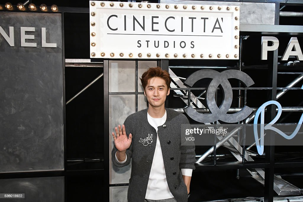 Actor Jiang Jinfu arrives at the red carpet of a press conference of Chanel's 'Paris in Rome 2015/16' Metiers d'Art Show on May 31, 2016 in Beijing, China.