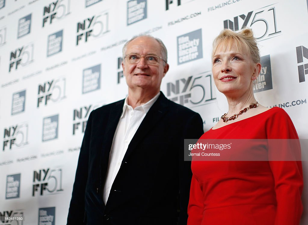 Actor <a gi-track='captionPersonalityLinkClicked' href=/galleries/search?phrase=Jim+Broadbent&family=editorial&specificpeople=208678 ng-click='$event.stopPropagation()'>Jim Broadbent</a> and actress <a gi-track='captionPersonalityLinkClicked' href=/galleries/search?phrase=Lindsay+Duncan&family=editorial&specificpeople=629187 ng-click='$event.stopPropagation()'>Lindsay Duncan</a> attend the 'Le Week-End' premiere during the 51st New York Film Festival at Alice Tully Hall at Lincoln Center on September 29, 2013 in New York City.