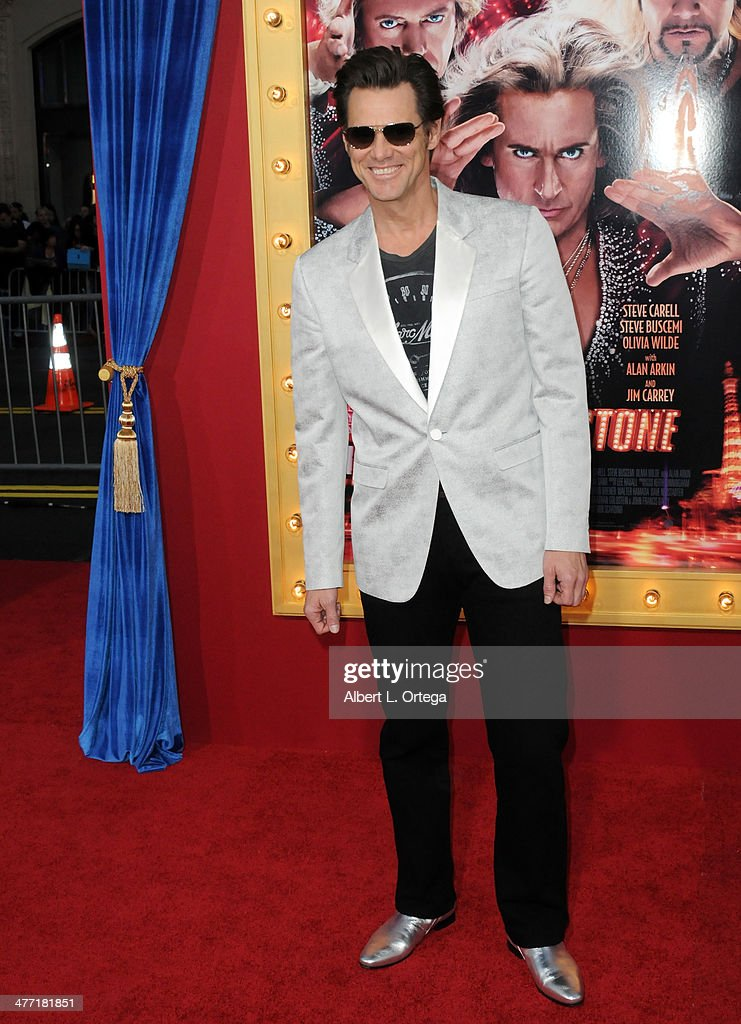 Actor <a gi-track='captionPersonalityLinkClicked' href=/galleries/search?phrase=Jim+Carrey&family=editorial&specificpeople=171515 ng-click='$event.stopPropagation()'>Jim Carrey</a> arrives for the Premiere of Warner Bros. Pictures' 'The Incredible Burt Wonderstone' held at the TCL Chinese Theater on March 11, 2013 in Hollywood, California.