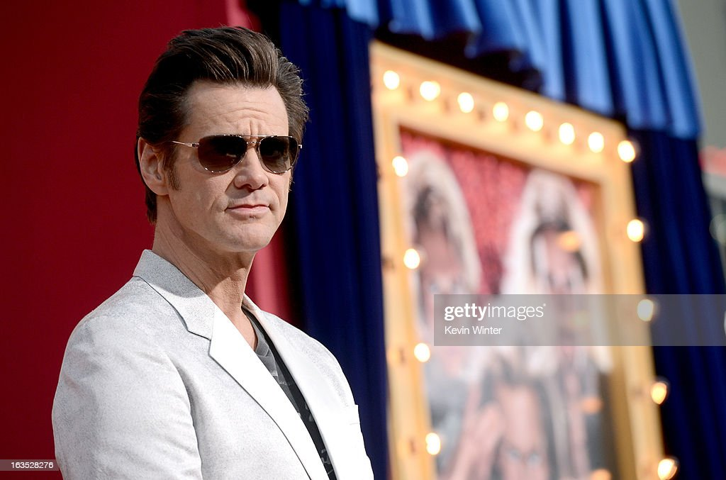Actor <a gi-track='captionPersonalityLinkClicked' href=/galleries/search?phrase=Jim+Carrey&family=editorial&specificpeople=171515 ng-click='$event.stopPropagation()'>Jim Carrey</a> attends the premiere of Warner Bros. Pictures' 'The Incredible Burt Wonderstone' at TCL Chinese Theatre on March 11, 2013 in Hollywood, California.
