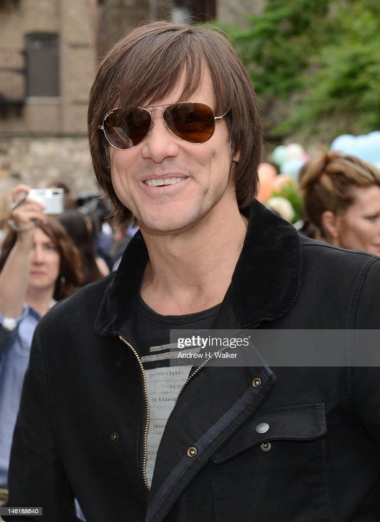 Actor <a gi-track='captionPersonalityLinkClicked' href=/galleries/search?phrase=Jim+Carrey&family=editorial&specificpeople=171515 ng-click='$event.stopPropagation()'>Jim Carrey</a> attends the Stella McCartney Resort 2013 Presentation on June 11, 2012 in New York City.
