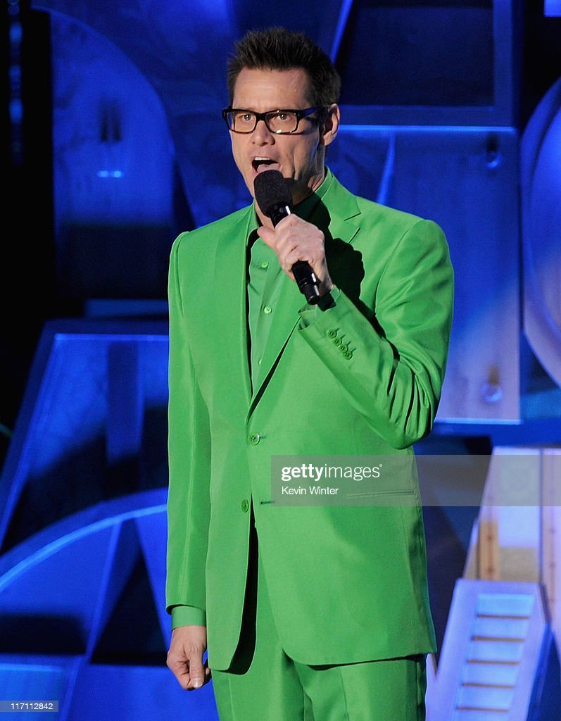Actor <a gi-track='captionPersonalityLinkClicked' href=/galleries/search?phrase=Jim+Carrey&family=editorial&specificpeople=171515 ng-click='$event.stopPropagation()'>Jim Carrey</a> speaks onstage during the 2011 MTV Movie Awards at Universal Studios' Gibson Amphitheatre on June 5, 2011 in Universal City, California.
