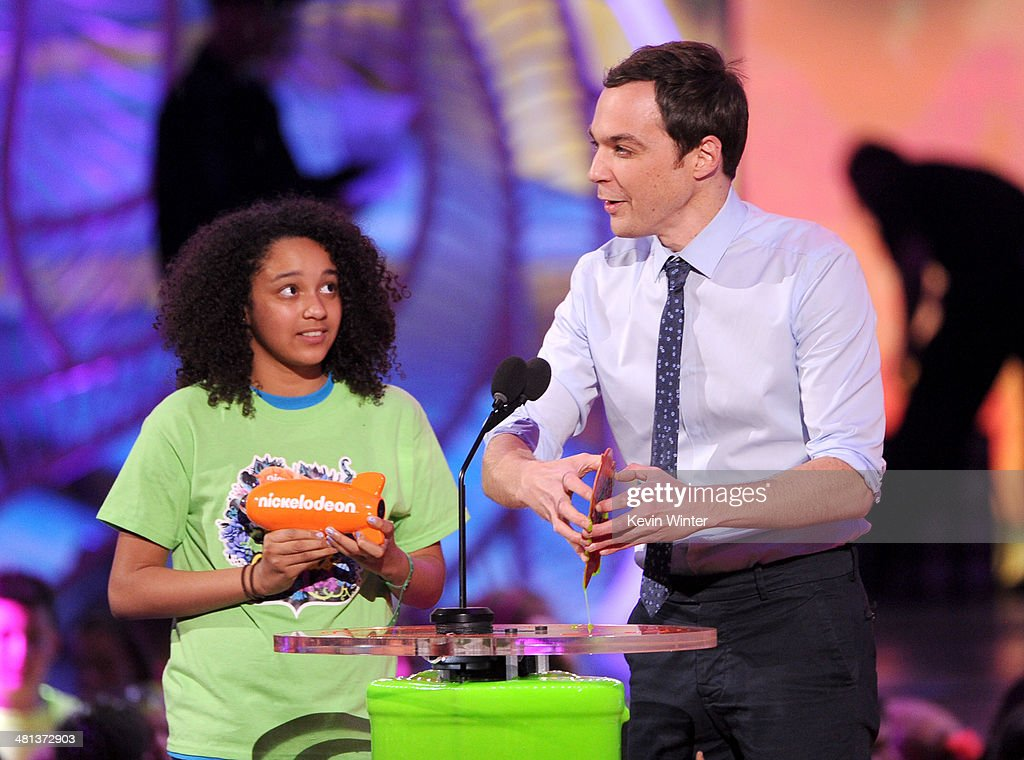 Actor <a gi-track='captionPersonalityLinkClicked' href=/galleries/search?phrase=Jim+Parsons&family=editorial&specificpeople=2480791 ng-click='$event.stopPropagation()'>Jim Parsons</a> (R) onstage during Nickelodeon's 27th Annual Kids' Choice Awards held at USC Galen Center on March 29, 2014 in Los Angeles, California.