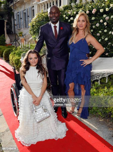 Actor Jimmy JeanLouis with host Leopoldine Huyghues Despointes and Daya Fernandez attend the Artists for Peace and Justice cocktail event celebrating...