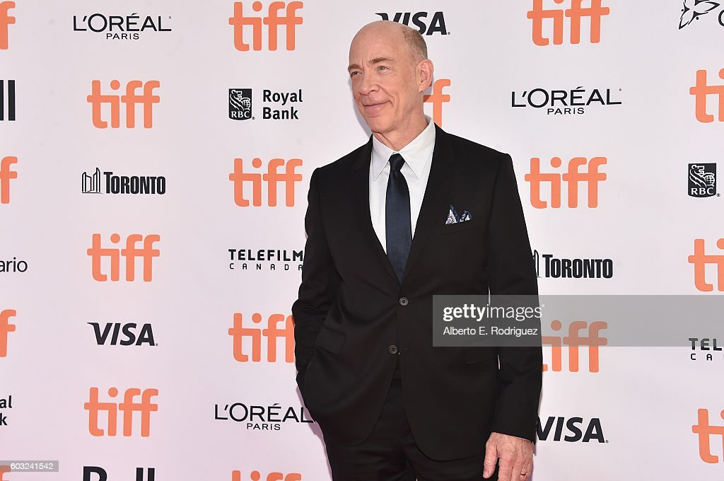 actor-jk-simmons-attends-the-la-la-land-premiere-during-the-2016-picture-id603241542