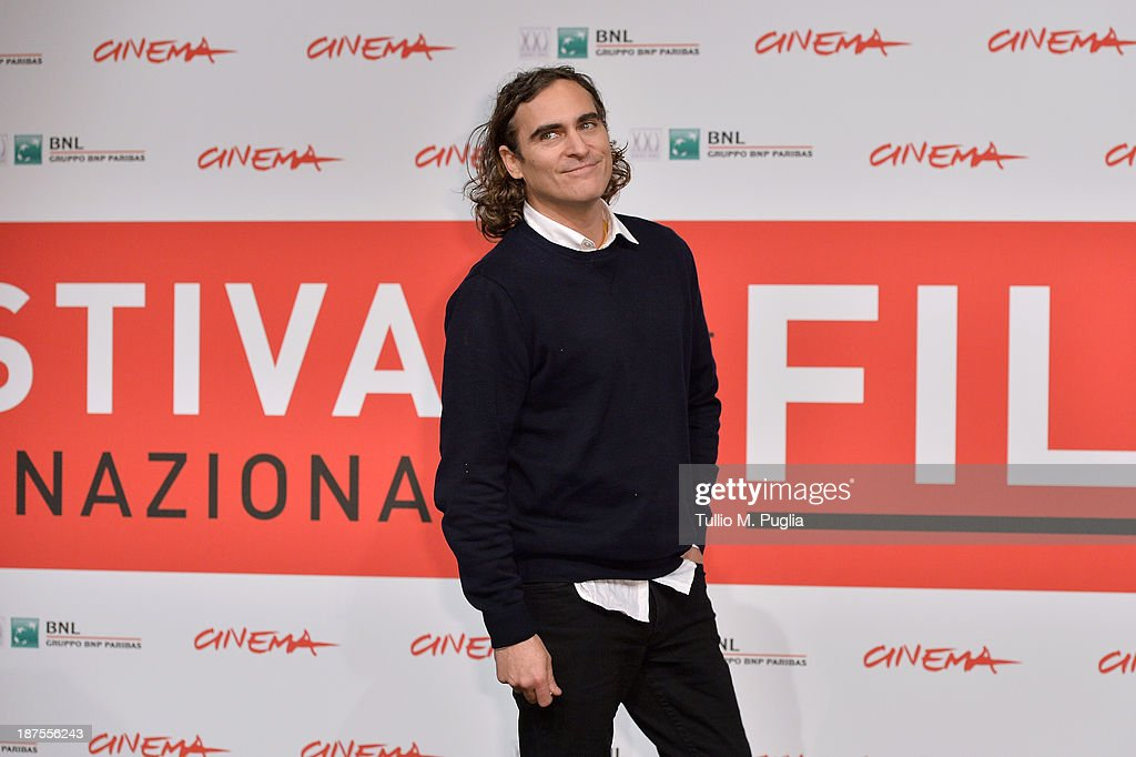 Actor <a gi-track='captionPersonalityLinkClicked' href=/galleries/search?phrase=Joaquin+Phoenix&family=editorial&specificpeople=215391 ng-click='$event.stopPropagation()'>Joaquin Phoenix</a> attends the 'Her' Photocall during the 8th Rome Film Festival at the Auditorium Parco Della Musica on November 10, 2013 in Rome, Italy.