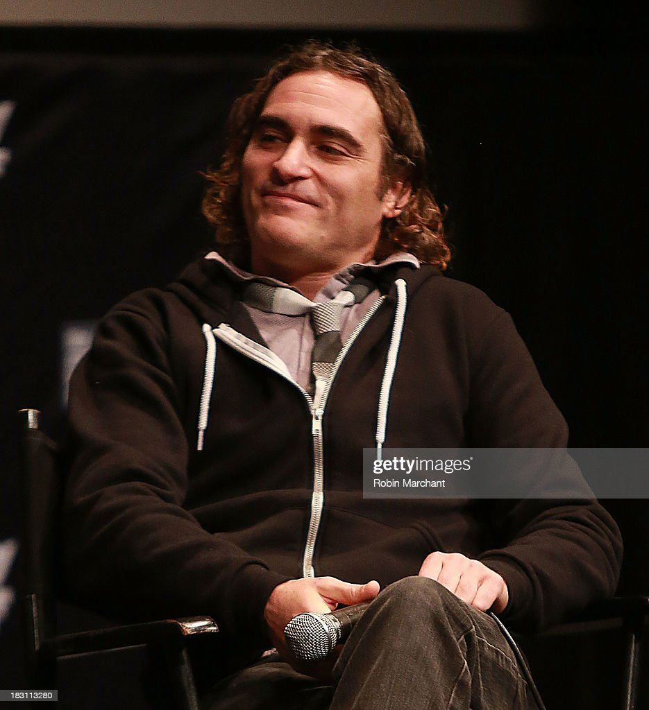 Actor <a gi-track='captionPersonalityLinkClicked' href=/galleries/search?phrase=Joaquin+Phoenix&family=editorial&specificpeople=215391 ng-click='$event.stopPropagation()'>Joaquin Phoenix</a> attends the 'Immigrants' premiere during the 51st New York Film Festival at The Film Society of Lincoln Center, Walter Reade Theatre on October 4, 2013 in New York City.