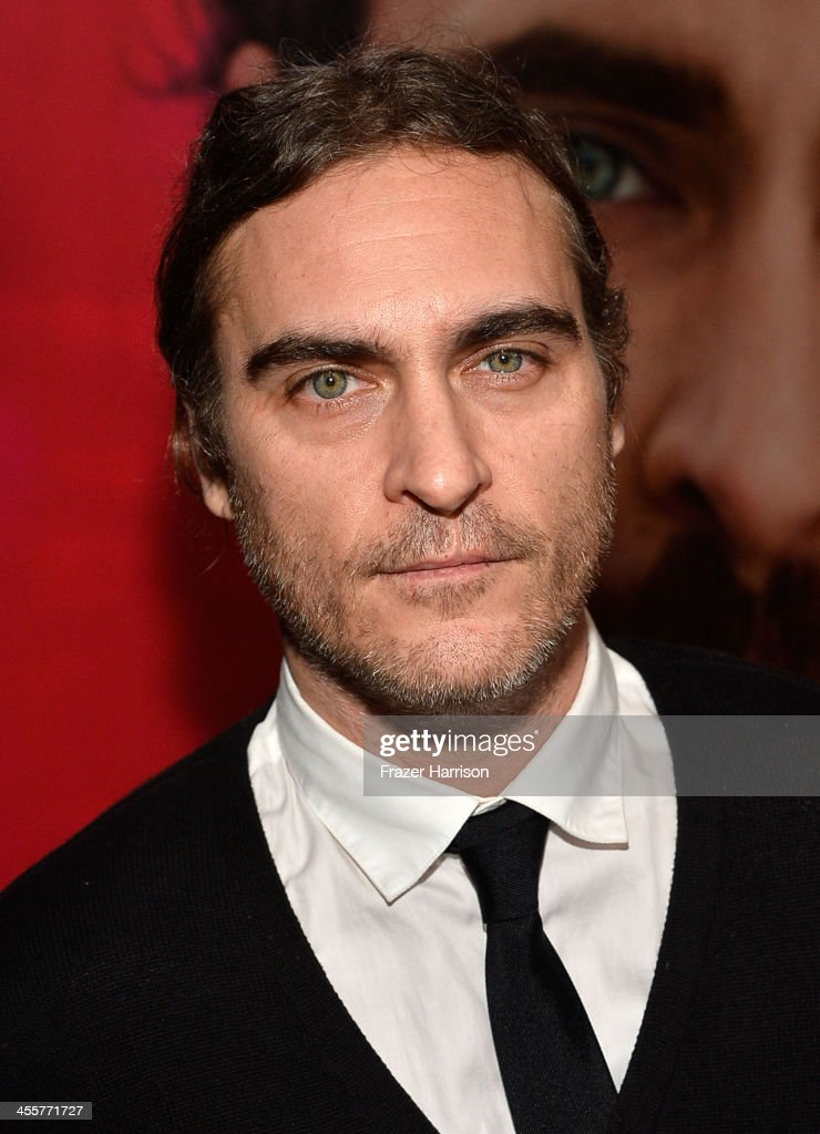 Actor <a gi-track='captionPersonalityLinkClicked' href=/galleries/search?phrase=Joaquin+Phoenix&family=editorial&specificpeople=215391 ng-click='$event.stopPropagation()'>Joaquin Phoenix</a> attends the premiere of Warner Bros. Pictures 'Her' at DGA Theater on December 12, 2013 in Los Angeles, California.