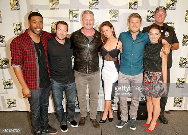 Actor Jocko Sims writer/producer Hank Steinberg actors Eric Dane Rhona Mitra Travis Van Winkle Marissa Neitling and Adam Baldwin attend 'The Last...