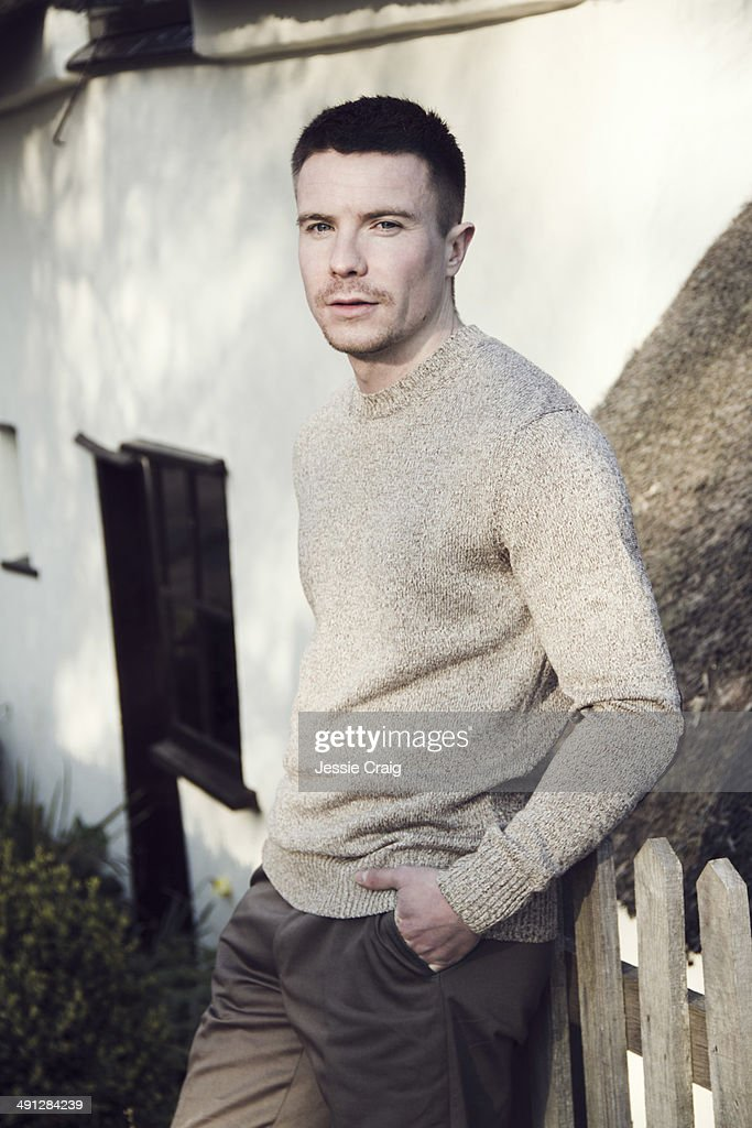 joe dempsie still rowing