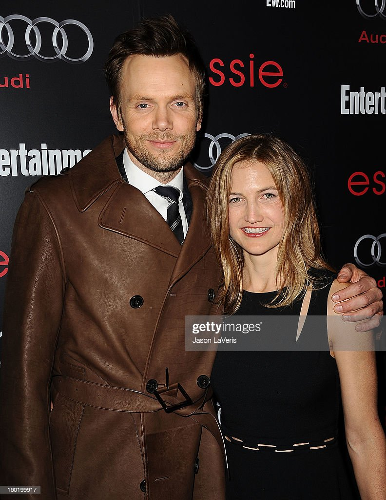 Actor Joel McHale and wife Sarah Williams attend the Entertainment Weekly Screen Actors Guild Awards pre-party at Chateau Marmont on January 26, 2013 in Los Angeles, California.