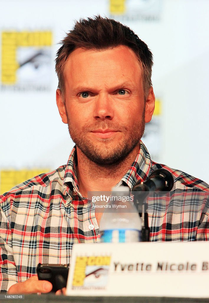 Actor <a gi-track='captionPersonalityLinkClicked' href=/galleries/search?phrase=Joel+McHale&family=editorial&specificpeople=754384 ng-click='$event.stopPropagation()'>Joel McHale</a> speaks at 'Community' School is Back in Session Panel during Comic-Con International 2012 at San Diego Convention Center on July 13, 2012 in San Diego, California.