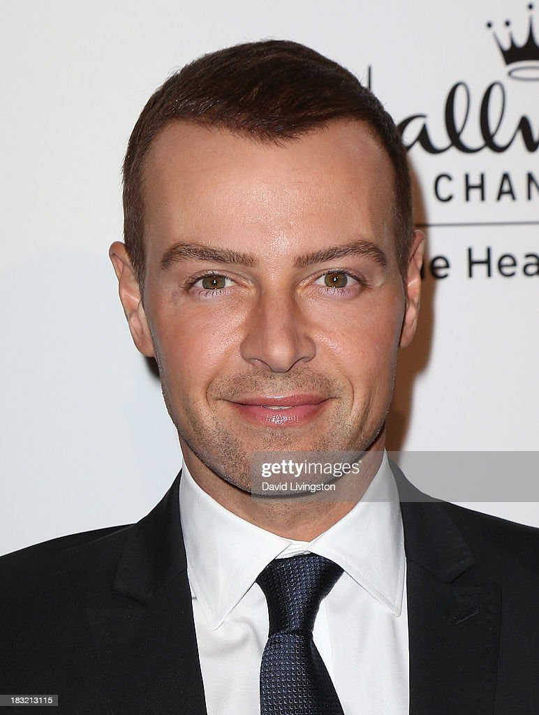 Actor <a gi-track='captionPersonalityLinkClicked' href=/galleries/search?phrase=Joey+Lawrence&family=editorial&specificpeople=1521741 ng-click='$event.stopPropagation()'>Joey Lawrence</a> attends the 3rd Annual American Humane Association Hero Dog Awards at The Beverly Hilton Hotel on October 5, 2013 in Beverly Hills, California.