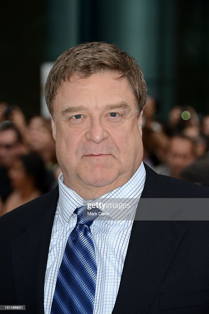 Actor <a gi-track='captionPersonalityLinkClicked' href=/galleries/search?phrase=John+Goodman&family=editorial&specificpeople=207076 ng-click='$event.stopPropagation()'>John Goodman</a> attends the 'Argo' premiere during the 2012 Toronto International Film Festival at Roy Thomson Hall on September 7, 2012 in Toronto, Canada.