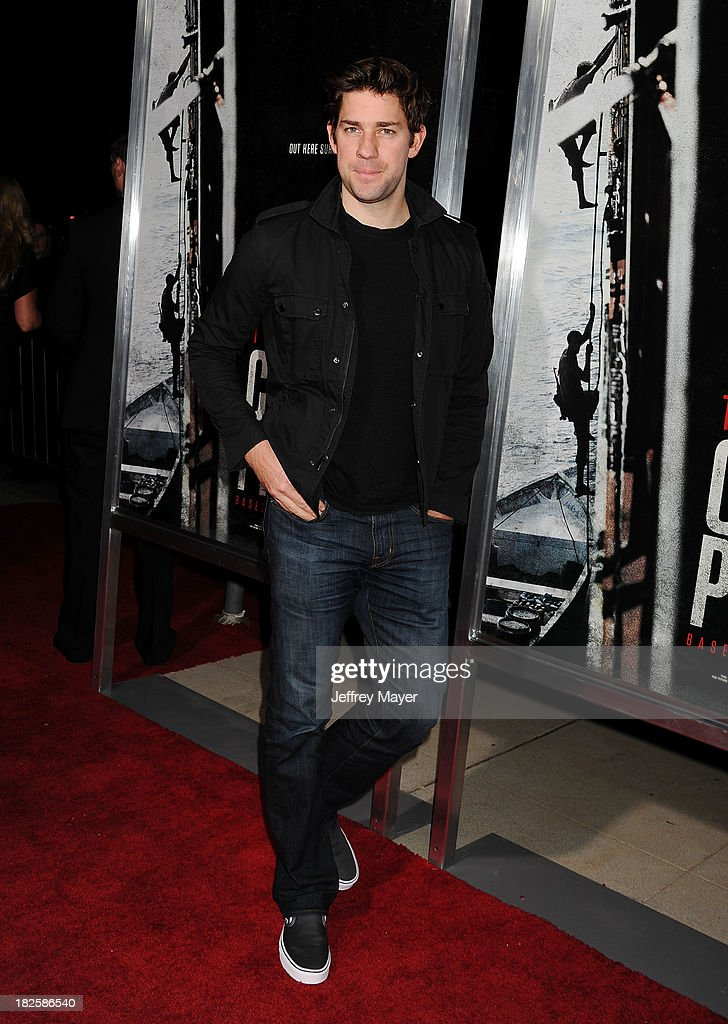 Actor <a gi-track='captionPersonalityLinkClicked' href=/galleries/search?phrase=John+Krasinski&family=editorial&specificpeople=646194 ng-click='$event.stopPropagation()'>John Krasinski</a> arrives at the Los Angeles premiere of 'Captain Phillips' at the Academy of Motion Picture Arts and Sciences on September 30, 2013 in Beverly Hills, California.
