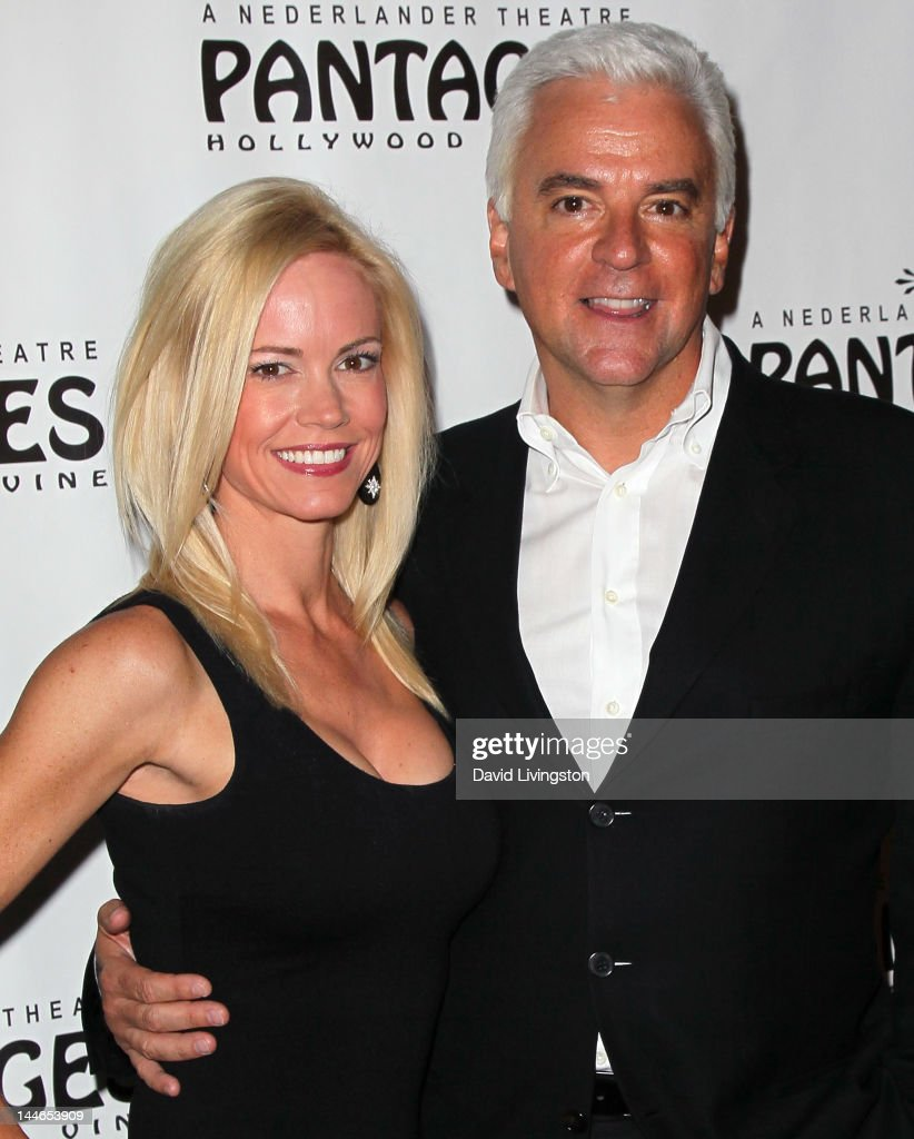 Actor <a gi-track='captionPersonalityLinkClicked' href=/galleries/search?phrase=John+O%27Hurley&family=editorial&specificpeople=847410 ng-click='$event.stopPropagation()'>John O'Hurley</a> (R) and wife Lisa Mesloh attend the opening night of 'Chicago' at the Pantages Theatre on May 16, 2012 in Hollywood, California.