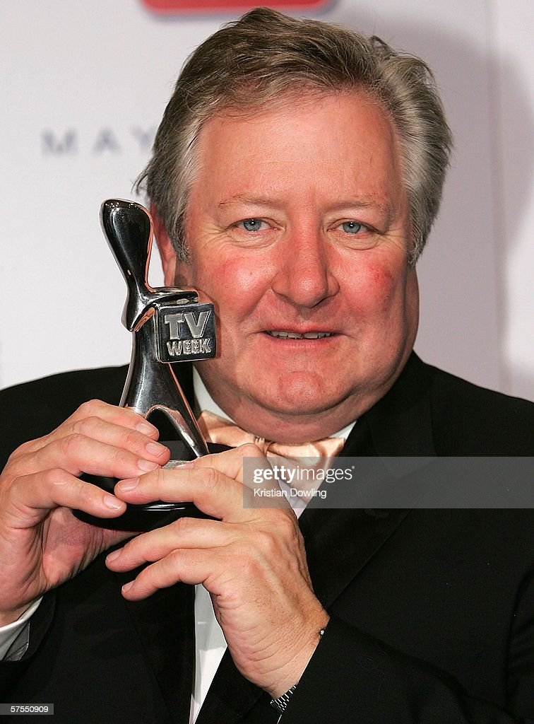 Actor John Wood poses with his Silver Logie in the media room at the 48th Annual - actor-john-wood-poses-with-his-silver-logie-in-the-media-room-at-the-picture-id57550909
