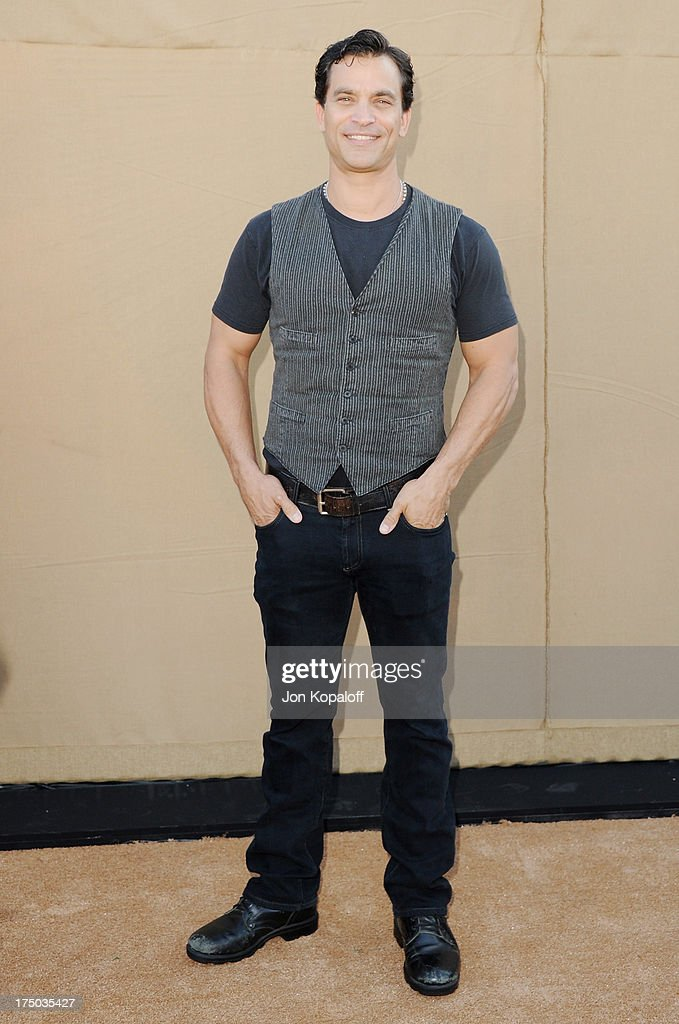 Actor Johnathon Schaech arrives at the 2013 Television Critic Association's Summer Press Tour - CBS, The CW, Showtime Party at The Beverly Hilton Hotel on July 29, 2013 in Beverly Hills, California.