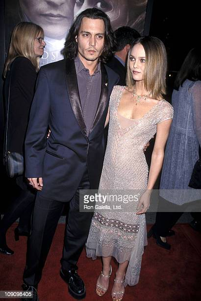 Actor Johnny Depp and girlfriend Vanessa Paradis attend the 'Sleepy Hollow' Hollywood Premiere on November 17 1999 at Mann's Chinese Theatre in...
